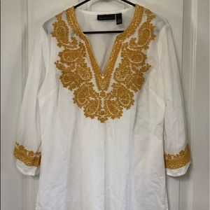 Like new international concepts white with gold 14